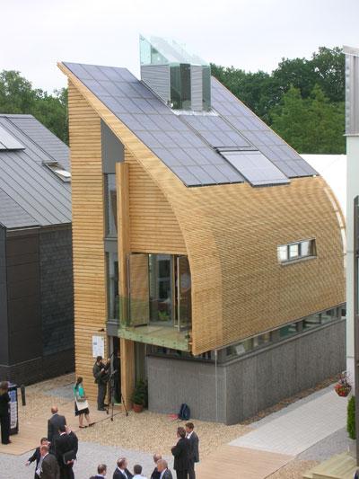 789654044_solar-uk-house1.jpg