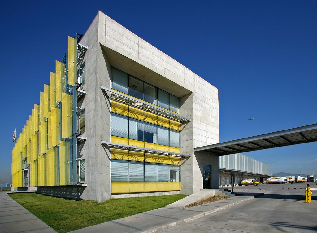 Chile santiago edificio corporativo chileexpress for Edificios educativos arquitectura