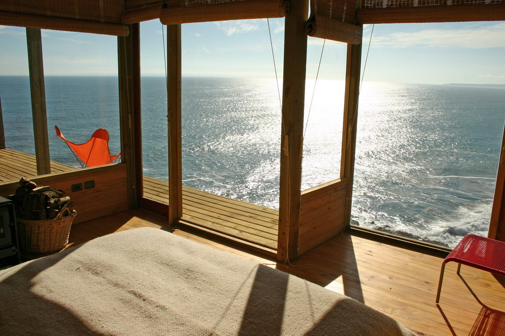 Amazing Cliff Top House In Chile