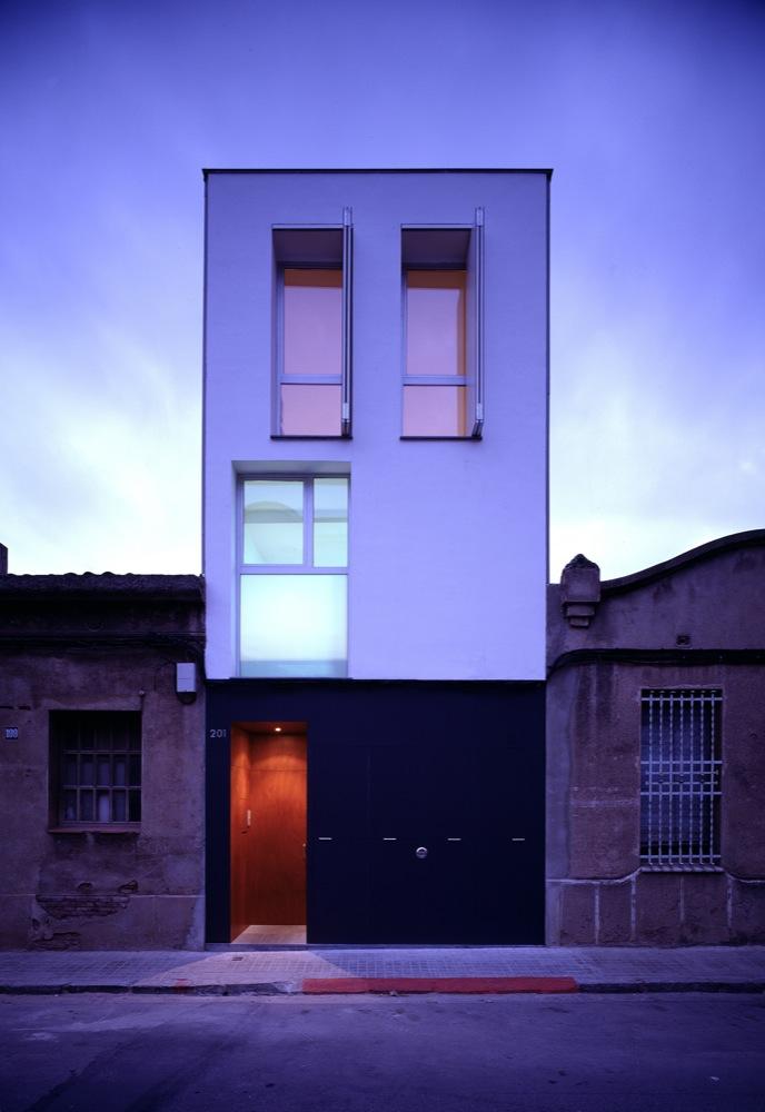 Casa 127 h arquitectes plataforma arquitectura - Arquitectos sabadell ...