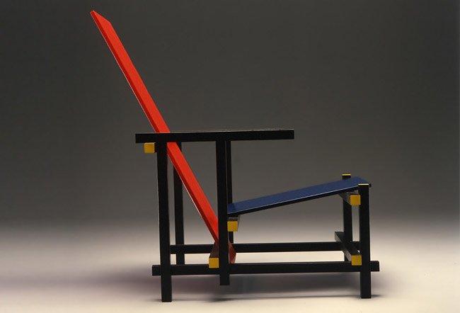 1296577105 silla roja for Silla roja y azul