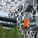 Alibaba Hangzhou China © Peter Bennetts