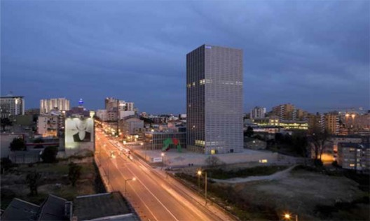 Torre en Burgos, Eduardo Souto de Moura (2007) © Luis Ferreira Alves