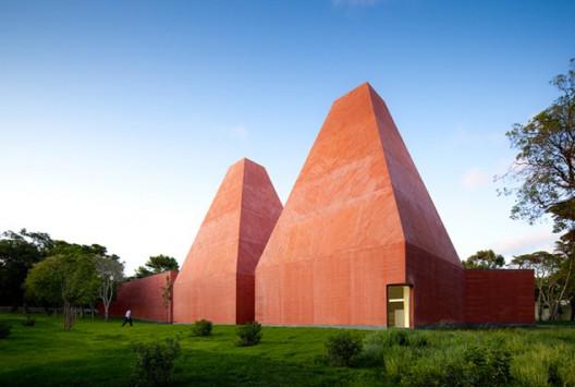 Museo Paula Rego, Casa das Histórias, por Eduardo Souto de Moura (2008) © FG + SG Fernando Guerra