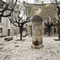 Remodelación del Casco Antiguo de Banyoles /  Josep Miàs (2) Plaça de la Font © Adria Goula