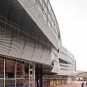 Edificio Mercado Municipal y Espacio Público Rubí / MiAS Arquitectes (9) © Adrià Goula