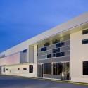 fachada hacia avenida Cortesía de LPG Oficina de Arquitectura