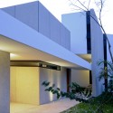 Casa Entre Árboles / Muñoz Arquitectos Asociados (9) © Rolando Córdoba