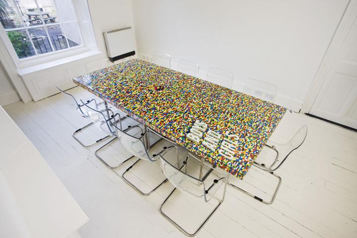 La mesa de 22.000 piezas de Lego / abgc © abgcarchitects