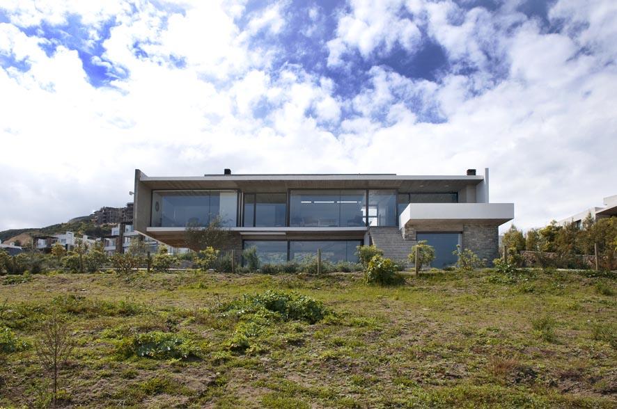 Galer a casa costa cachagua iv n vial montero 1 for Casa minimalista la plata