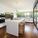 The Avenue / Neil Architecture (2) © Rhiannon Slatter