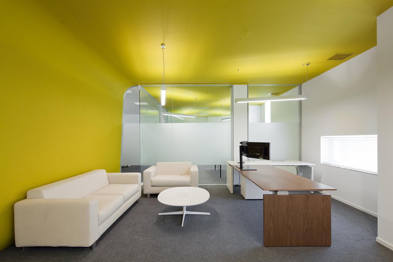 Galer a oficinas fraunhofer portugal pedra silva for Muebles de oficina olivos