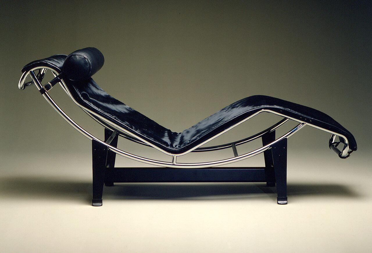 galer a chaise longue lc 4 le corbusier 1. Black Bedroom Furniture Sets. Home Design Ideas