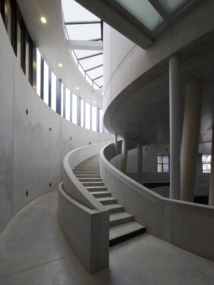 Centro de Visitantes Museo Alésia / Bernard Tschumi Architects  (7) © Christian Richters