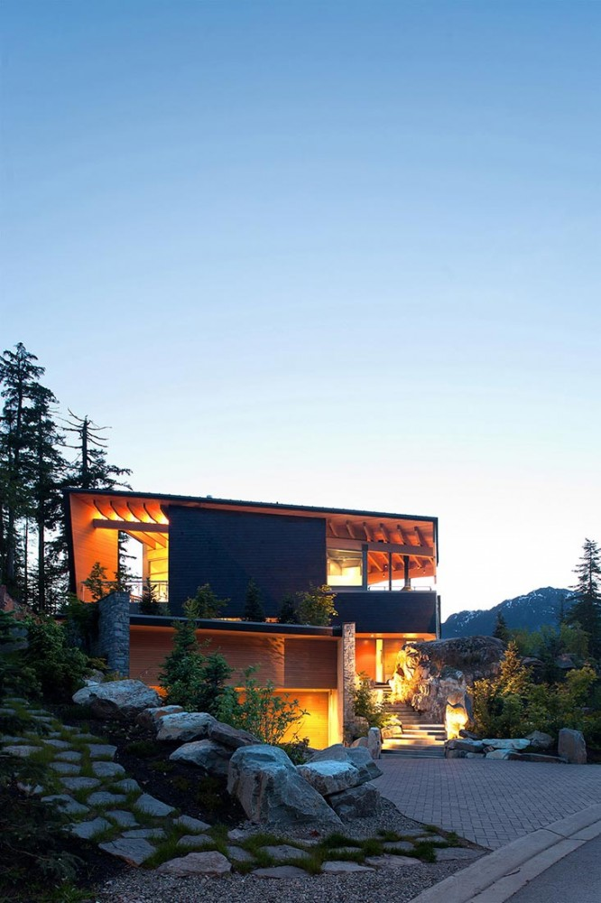 Residencia Whistler / BattersbyHowat Architects (3) © Sama Jim Canzian