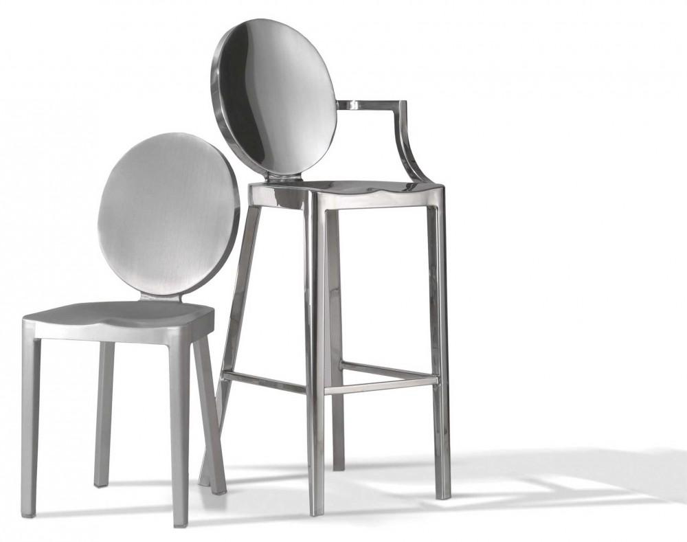 """""""En esta ocasión Officio Mondó nos presenta su nueva línea de sillas y mesas Emeco, destacada empresa americana de diseño contemporáneo que utiliza el aluminio como material de trabajo.""""   Sillas y Mesas en aluminio Emeco 1339972601 officio mond   emeco 3"""