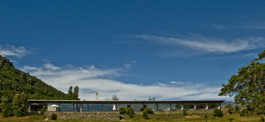 Casa en el lago Rupanco / Izquierdo Lehmann (2)