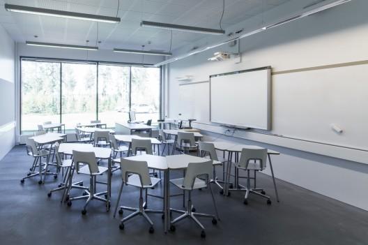 Classroom_white