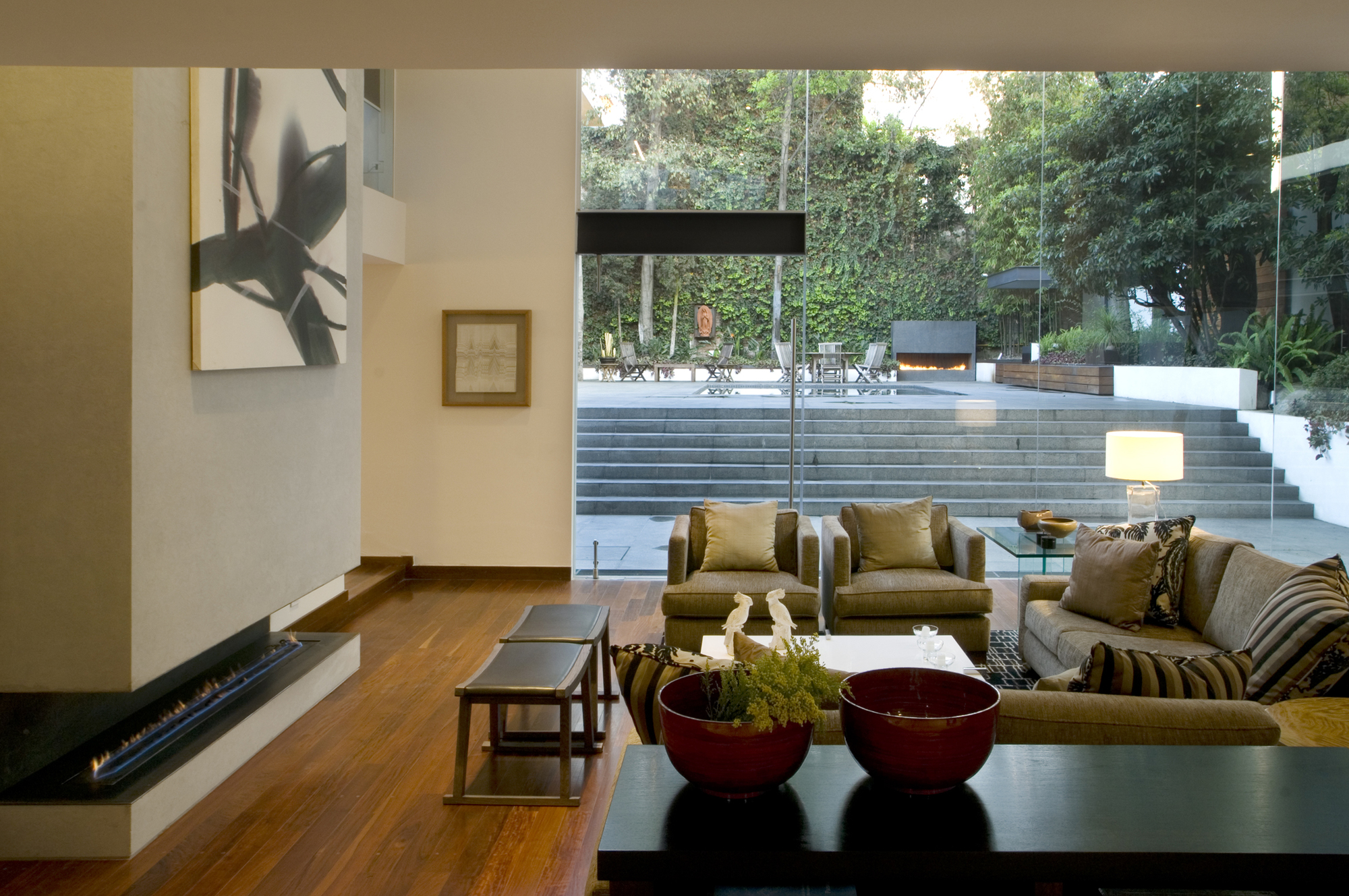 Galer a casa lomas de chapultepec paola calzada for Casa lomas muebles