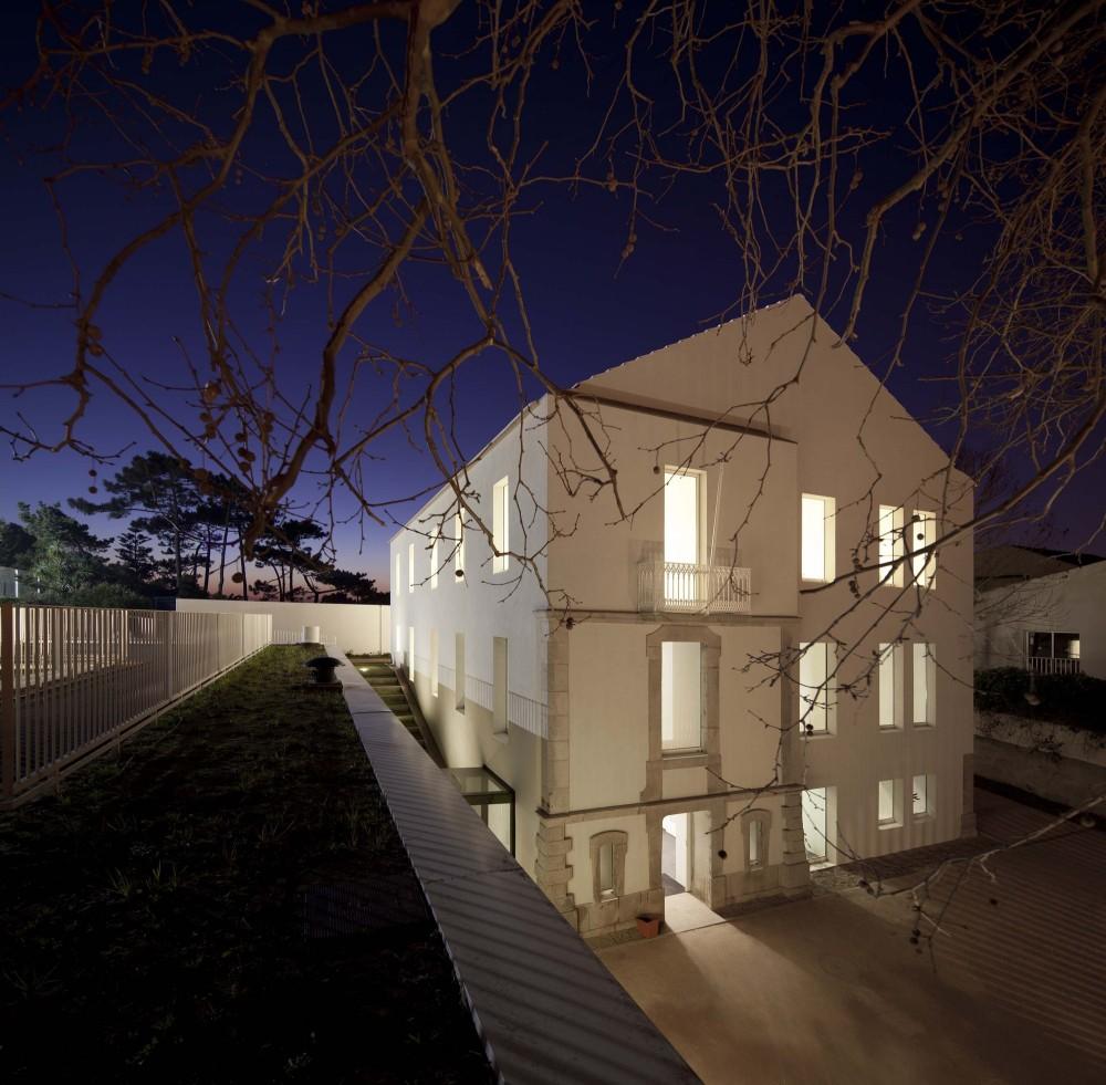 Center School S.Miguel de Nevogilde / AVA Architects © Fg+Sg