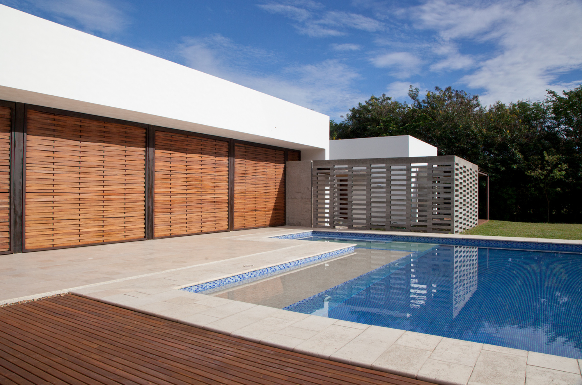 Condominio el paso de la carrera cavanzo arquitectura for Carreras de arquitectura