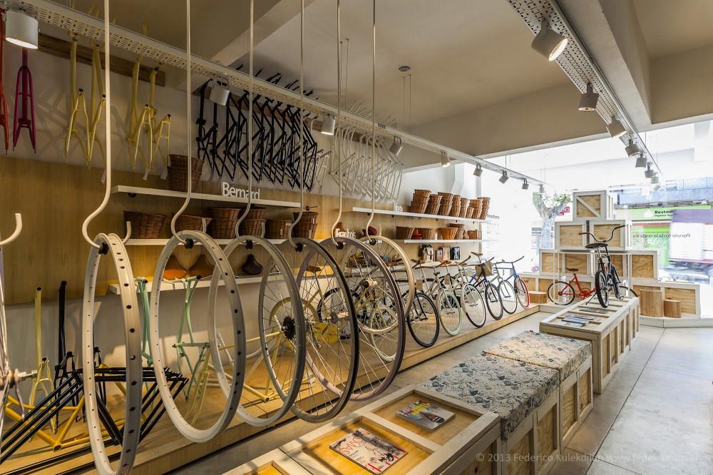 Monochrome Bikes / Nidolab © Federico Kulekdjian