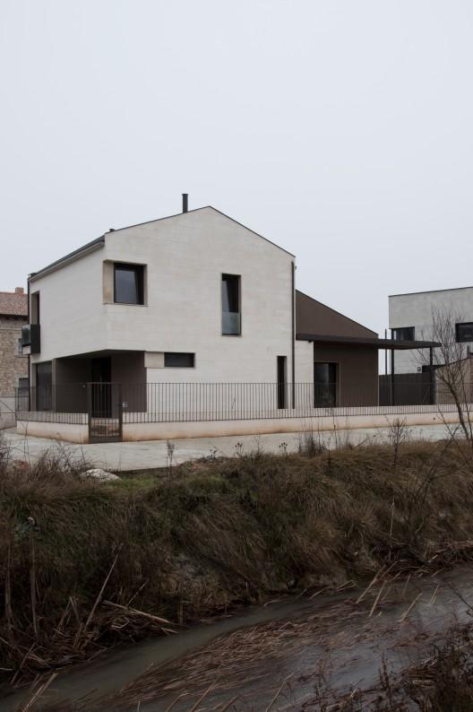 """""""El Sitio de mi Recreo"""". Vivienda en Caleruega / Gaztelu Jerez Arquitectos"""