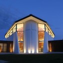 Wanaka Catholic Church / Sarah Scott Architects Ltd © Tony Brunt