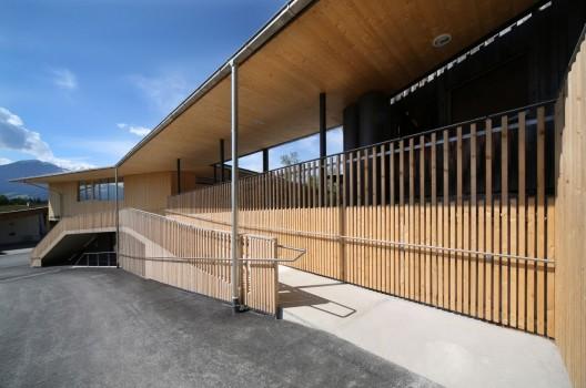Estaci n de bomberos club house gnadenwald for Architektur werkstatt