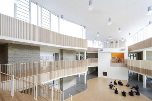 Escuela Internacional Ikast Brande / CF Moller