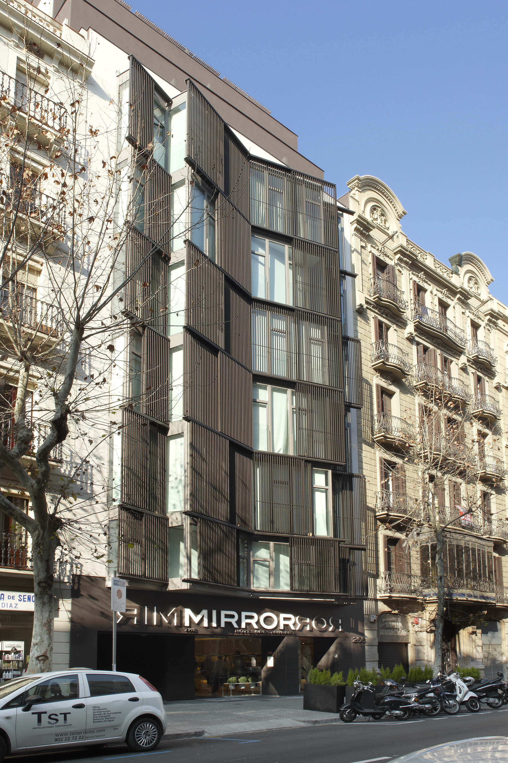 Hotel the mirror barcelona gca arquitectes plataforma for Mirror hotel