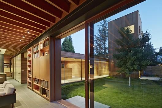 Casa baja subida spiegel aihara workshop planos de for Casas largas y estrechas