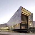 Edificio Laboratorio Synthon  / GH+A   Guillermo Hevia
